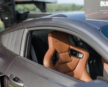 BRAUM Racing's ELITE series seats in brown on @smoked_magnetic_gt's 2015 Ford Mustang GT